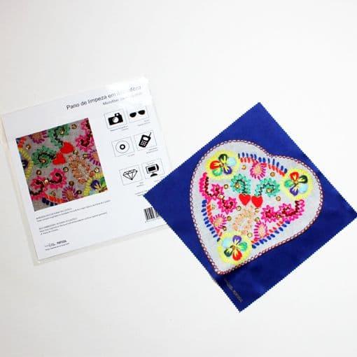 pano microfibra bordado a lã – coração de viana
